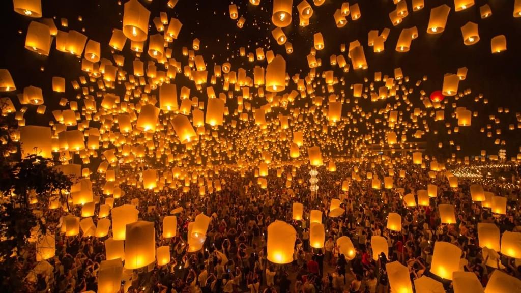 Thousands-Of-Lanterns-In-Sky-During-Yi-Peng-Lantern-Festival-Celebration